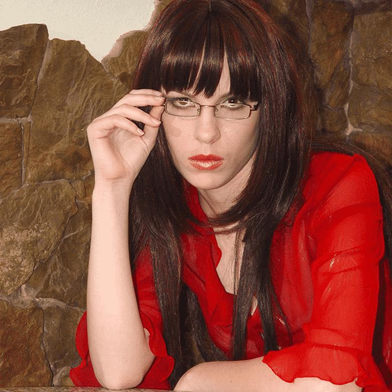 Dommy Scarlet