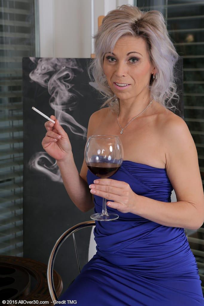 Smoking Mom Fetish